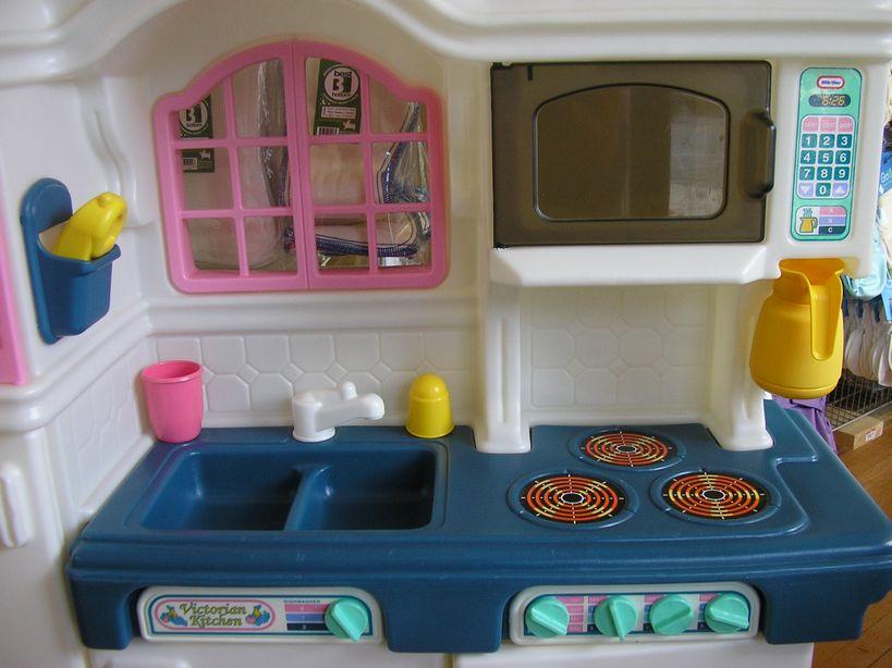 little tikes victorian kitchen + accessories, coffee pot, phone